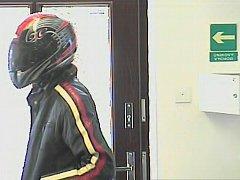 Lupič, který ve čtvrtek ráno přepadl pobočku banky Moneta ve Šternberku.