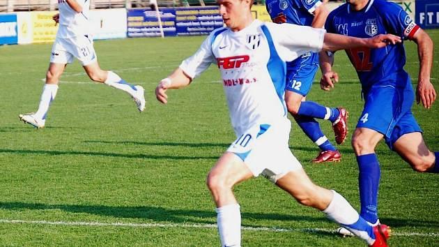 Fotbalisté HFK v útoku na bránu soupeře