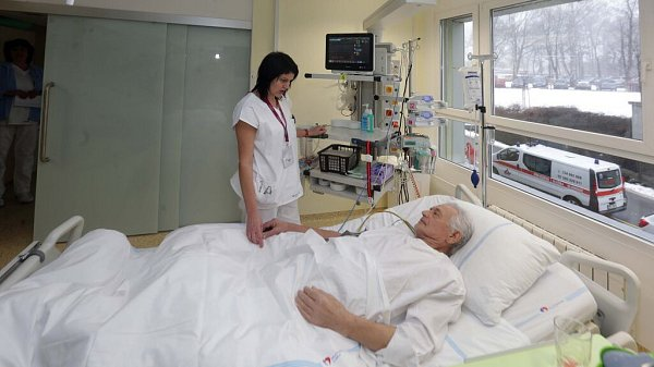 Fakultní nemocnici Olomouc zrekonstruovala prostory původní jednotky intenzivní péče a transformovalo ji vmoderní oddělení akutní kardiologie.