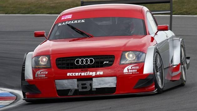 Audi TT-R DTM na testovací jízdě.