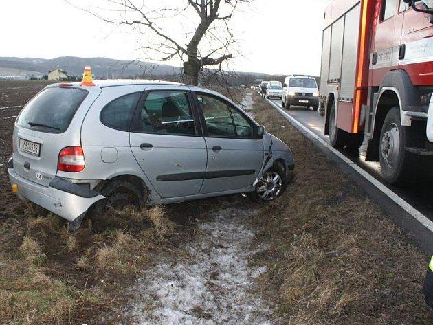 Sedmačtyřicetiletá žena havarovala v pátek ráno u Bohuňovic na Olomoucku