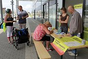 Petice za urychlení výstavby východní tangenty v Olomouci sbírá podpisy