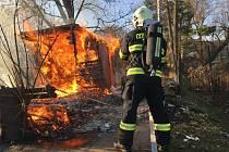 Požár unimobuňky poblíž centra Olomouce