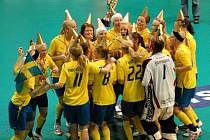Titul mistryň světa juniorek ve florbalu putuje z Olomouce do Švédska.