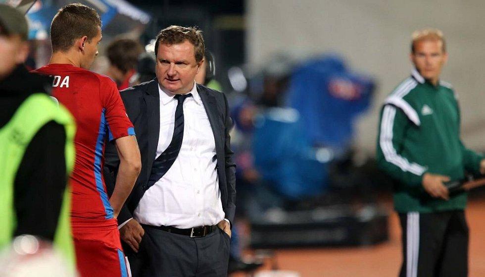 Trenér Pavel Vrba na Andrově stadionu v Olomouci