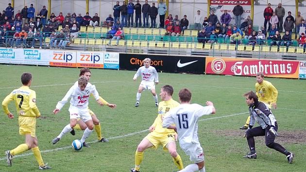 Druhá fotbalová liga nemohla mít lepší finále, než se odehraje na holickém stadionku.