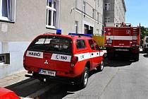 Hasiči zasahují po výbuchu plynu v podkroví domu ve Šmeralově ulici v Olomouci