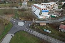 Nový kruhový objezd u černovírského mostu na Lazcích v Olomouci