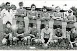 Rok 1971. Fotbaloví dorostenci Přáslavic na zápase ve Světlé Hoře.
