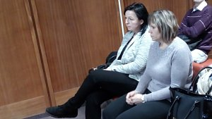Obžalované pracovnice Českých drah u olomouckého okresního soudu - zleva Jarmila Soukupová, vedle Jana Stejskalová
