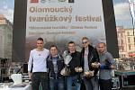 Soutěž v pojídání tvarůžků. Tvarůžkový festival v Olomouci