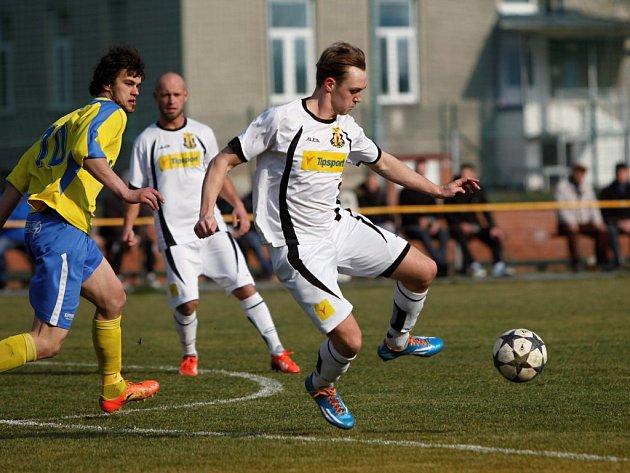Nové Sady (v bílém) remizovaly se Šumperkem 0:0.