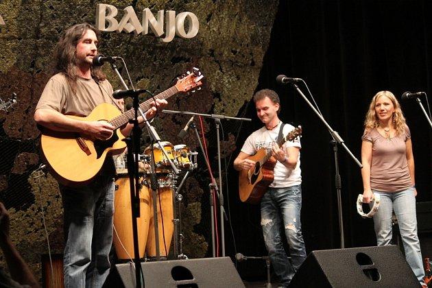 Patnáctý ročník tradiční hudební přehlídky folkové a trampské muziky Bystřické banjo.