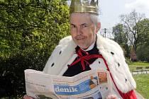 Král Marek Eben čte Olomoucký deník. A vy?