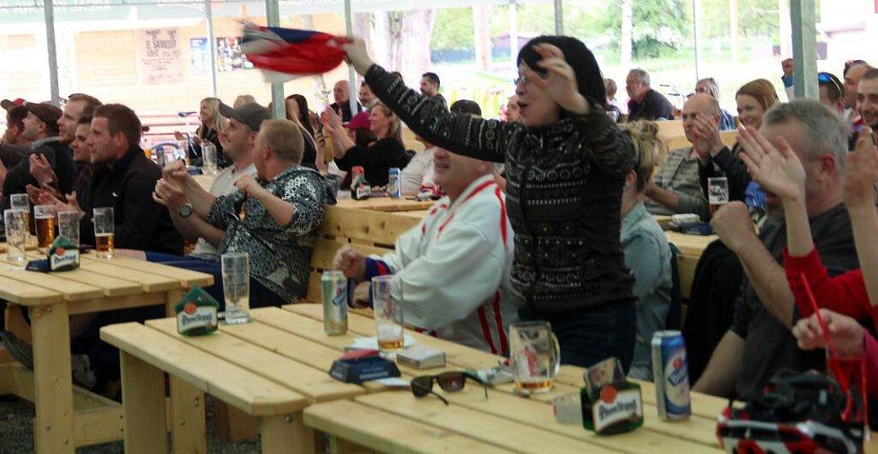 Kemp v Hejčíně. Čtvrtfinále hokejového MS 2016 mezi Českem a USA