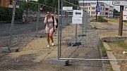 Chodci u Bristolu bojují se zákazy, kvůli rozkopanému okolí mostu musejí oklikou