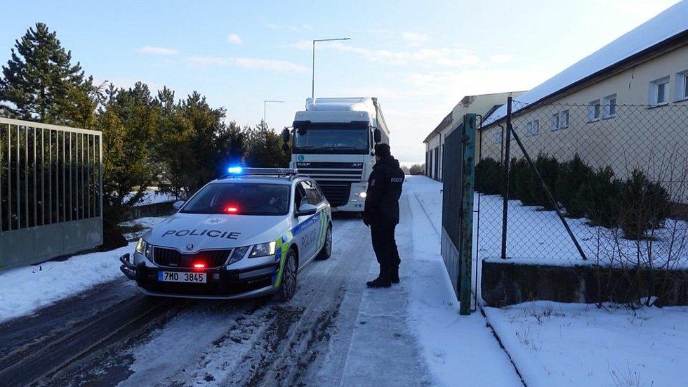 Hlídky u Kocourovce ve čtvrtek zkontrolovaly 34 vozidel, z toho 30 bylo ze zahraničí.