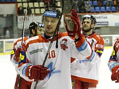 Miroslav Holec (uprostřed)