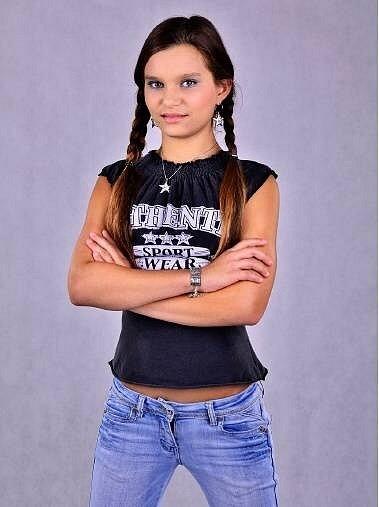 3) NIKOLA MILOVÁ, 13, studentka, Otrokovice
