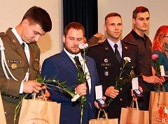 Dvaceti odběrů krve letos na Olomoucku dosáhly téměř tři stovky dárců. Stříbrnou medaili profesora Janského v úterý osobně převzala zhruba polovina z nich.