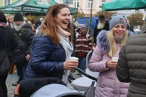 Venkovské trhy  na Horním náměstí ve Šternberku.
