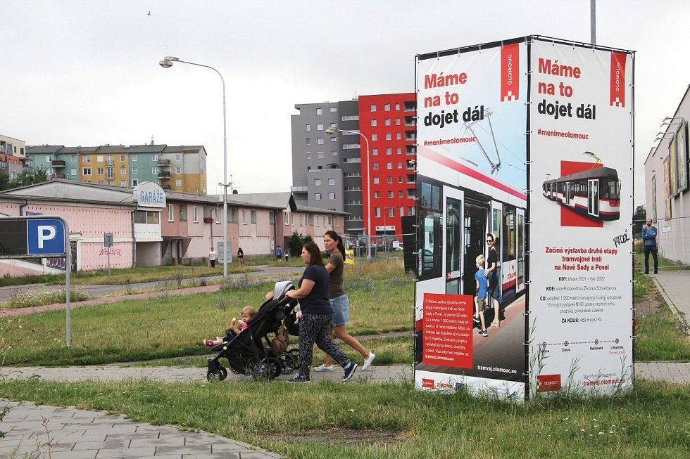 Zikova ulice. Stavba tramvajové trati přes Nové Sady, 12. července 2021