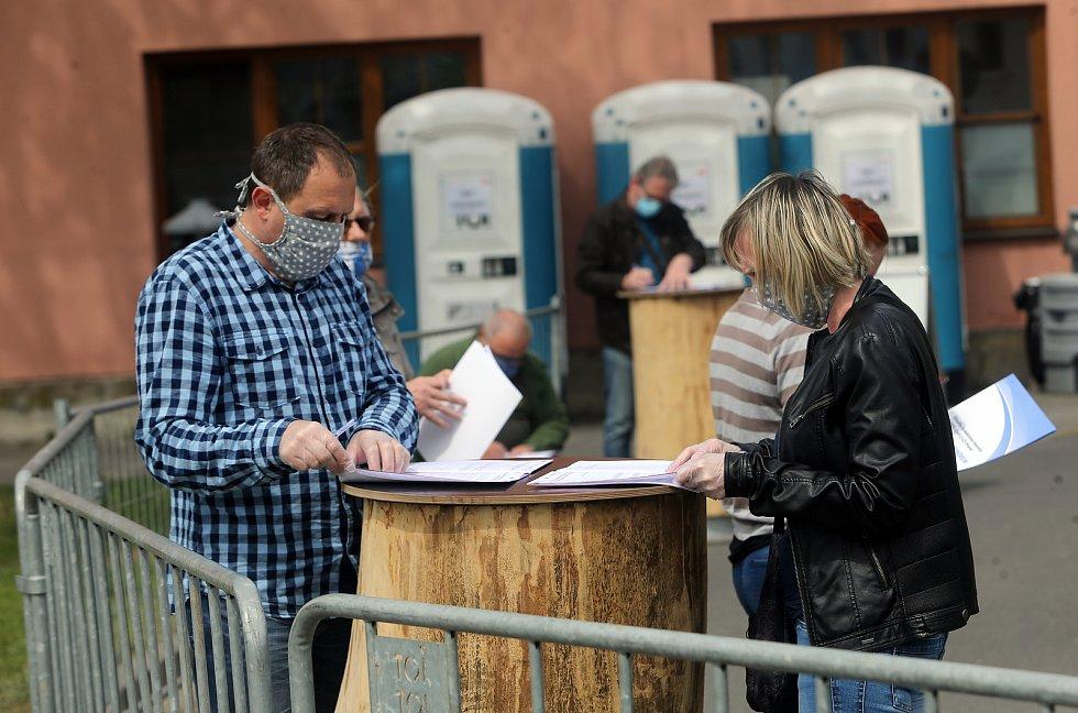 Odběry na plošné koronavirové testy v Uničově. Pátek 24.4.2020