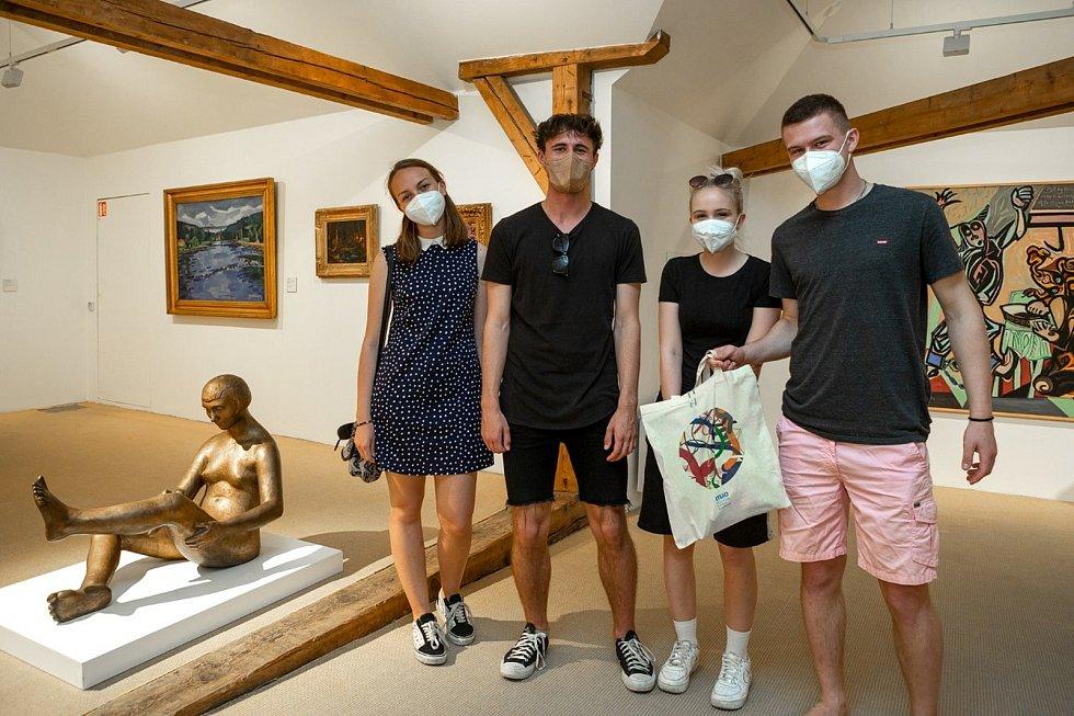 Muzeum umění Olomouc v úterý 11. května uvítalo první návštěvníky po znovuotevření. Přišli si prohlédnout stálou expozici Století relativity, vstup do ní je zdarma.