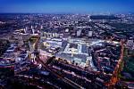 Mezi nejvýznamnější práce architektonické kanceláře Benoy patří například nákupní centrum Westfield Stratford City v Londýně.