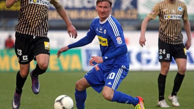 Marek Heinz u míče