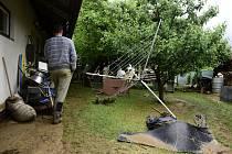 Pozemek rodiny Šenkových ze zaplaveného Břevence, místní části Šumvaldu, 8. 6. 2020