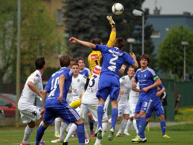 Fotbalisté Sigmy Olomouc B (v modrém) vs. Slovácko B