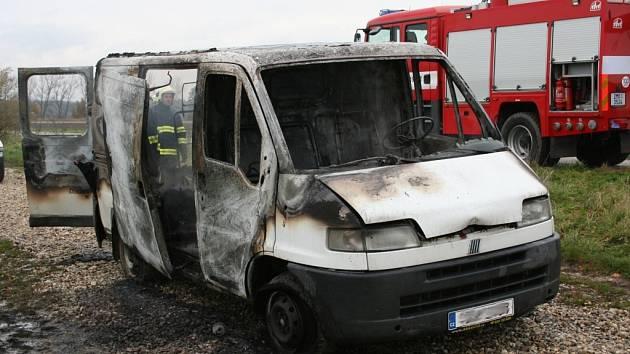 V Nákle hořel Ford Transit