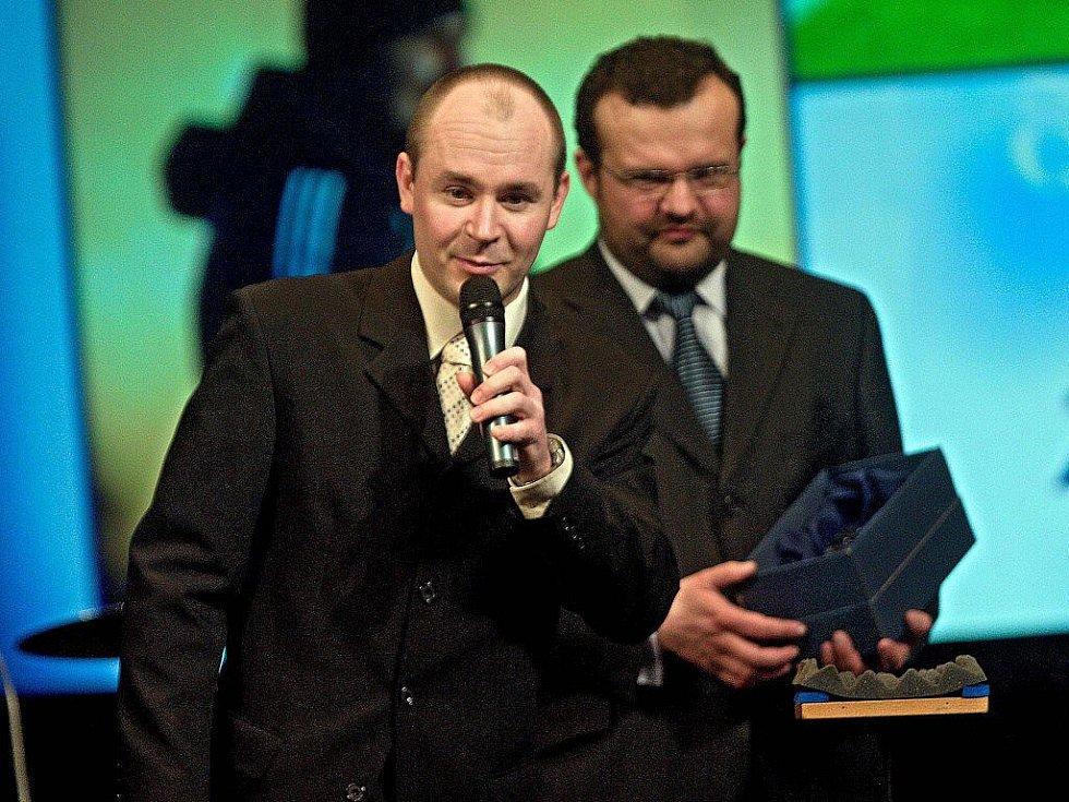 Z vyhlášení ankety o nejlepšího sportovce Olomouckého kraje za rok 2010 - cenu za trenéra Zdeňka Psotku převzal marketingový ředitel Sigmy Martin Rak