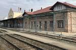 Šternberk - proměna nádražní budovy. (3.4.2020)