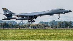 Americký bombardér B-1B Lancer na Dnech NATO na mošnovském letišti