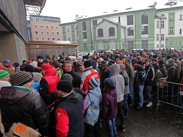 Mora vbaráži proti Liberci - fanoušci před stadionem
