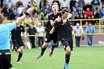 Radující se fotbalisté holického béčka