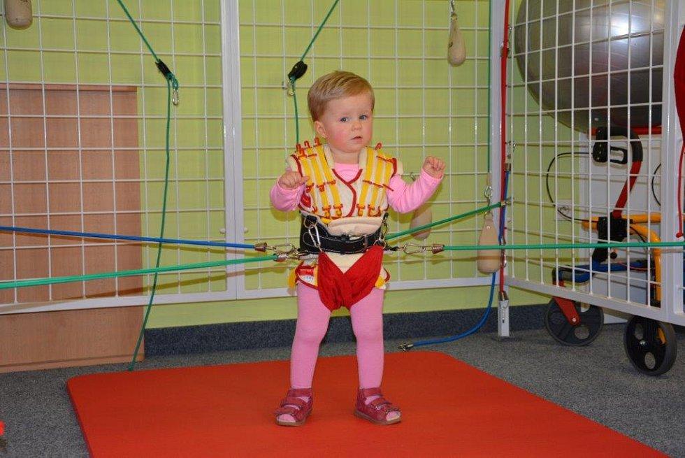 Postižené děti rehabilitují jako kosmonauti