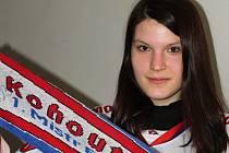 Jednadvacetiletá studentka Anna Rajmonová fandí Moře už sedm let