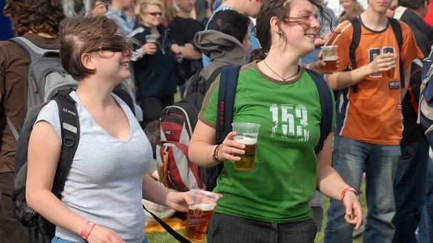 Pivní festival na Lazcích.