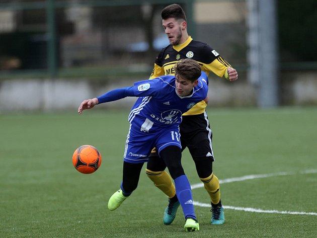 Tomáš Zlatohlávek v modrém
