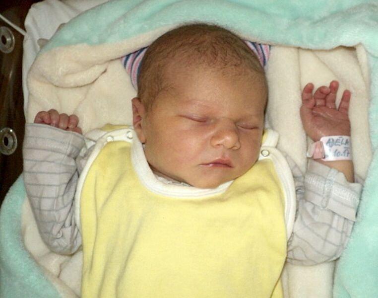 Adéla Zemanová, Bělkovice-Lašťany, narozena 2. října ve Šternberku, míra 48 cm, váha 3380 g