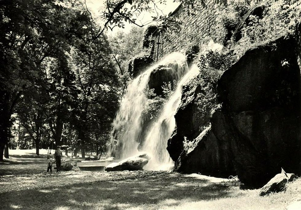 Podoba vodopádu v Bezručových sadech v 70. letech minulého století