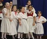 Akce Království hraje, zpívá a tančí zaplnila v sobotu odpoledne sokolovnu v Majetíně.