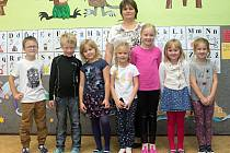 Žáci 1. třídy ZŠ a MŠ Mladějovice s paní učitelkou Ines Sanetrníkovou