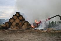 Požár stohu v Želechovicích.