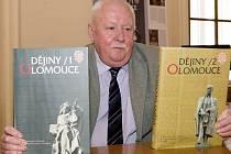 Vedoucí redaktor dvousvazkových Dějin Olomouce Jindřich Schulz