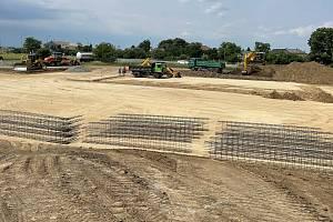 U Unčovic nedaleko Litovle se staví nová restaurace McDonald's. 21. června 2021