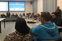 Zastupitelé v Litovli schválili vznik nového výboru, který zajistí partnerské soužití centrální části města a osad na okraji. Deset z jedenácti místních částí v říjnu pohrozilo odtržením od Litovle.